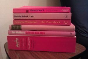 Boeken op kleur sorteren